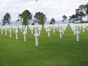 Colleville principal cimetière des plages du débarquement